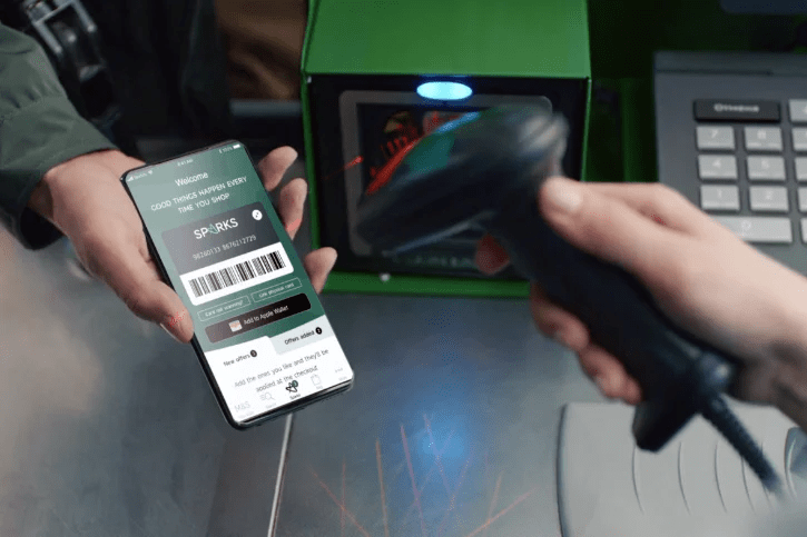 Going fully touchless, Marks & Spencer has relaunched its loyalty program to be an app-based digital-first service. Customers can identify themselves in the store using the app, and participate in in-store giveaways and claim various free gifts during checkout.